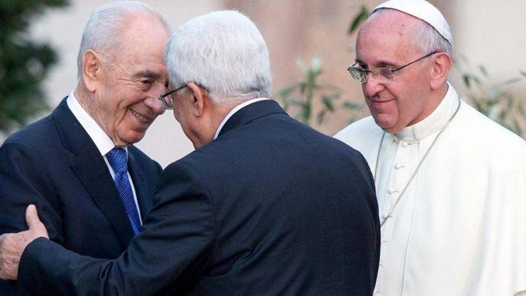 Giáo hoàng với các tổng thống Peres và Abbas