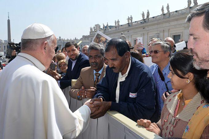 Giáo hoàng Phanxicô gặp chồng của Asia Bibi, ông Masih và con gái