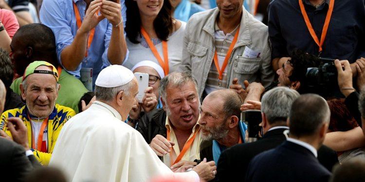 Những người vô gia cư Pháp gặp giáo hoàng hôm 22-10-14