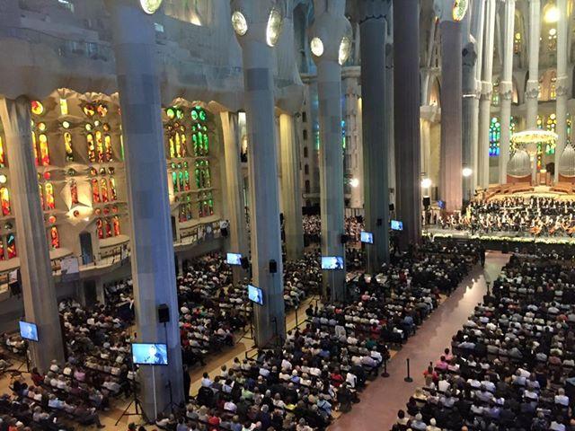 Buổi trình diễn ngày 28 tháng 5 ở Vương cung thánh đường Thánh Gia ở Barcelona
