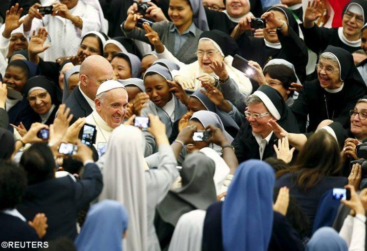 Khi các tu sĩ tận hiến ở Rôma gặp giám mục của họ 1