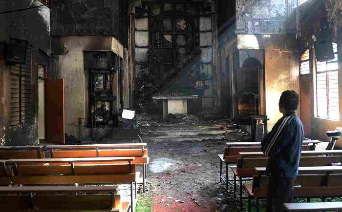 Một nhà thờ Ấn Độ bị thiêu rụi