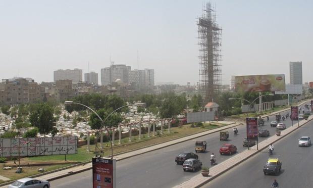 The-43m-tall-Karachi-cruc-007