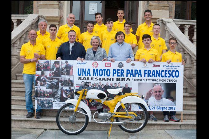 A Vatican two-wheeler - Teen mechanics restore motorbike for Pope Francis