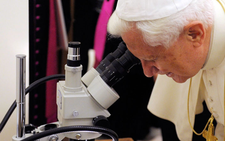Benedict-science-microscope