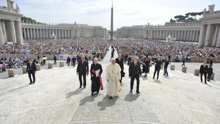 Vatican%20Pope-2