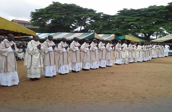 Các linh mục ở Phi châu