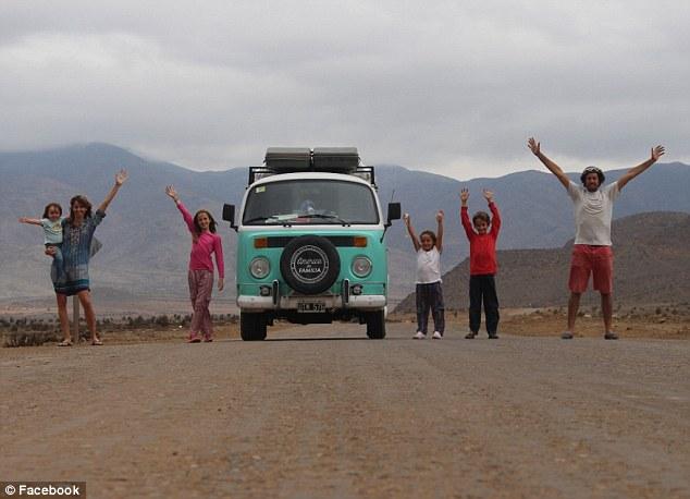 Cùng nhau trên chiếc xe Volkswagen có tên là Francisca