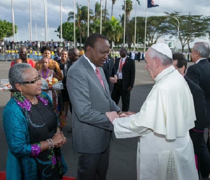 Đức Phanxicô với tổng thống Kenya