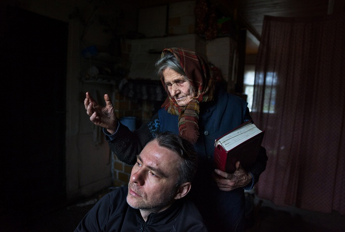 Picture of a Polish woman who claims a direct connection to Mary that allows her to heal people