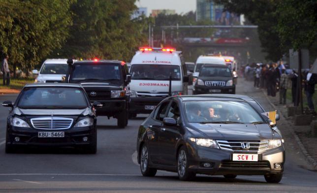 Chiếc Honda biển số SCV1 của Đức Giáo hoàng lại lọt thỏm giữa các xe hào nhoáng khác