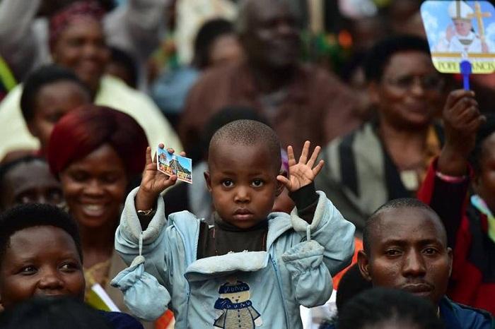 Xin đừng quên người nghèo Uganda