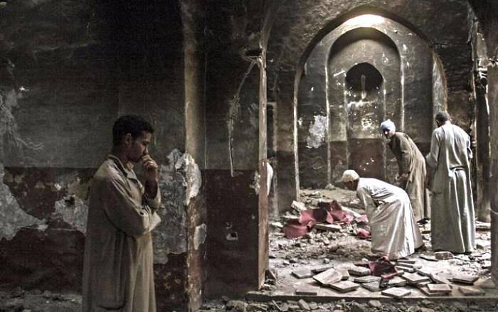 Đan viện Abraam bị người Hồi giáo đốt phá và cướp bóc