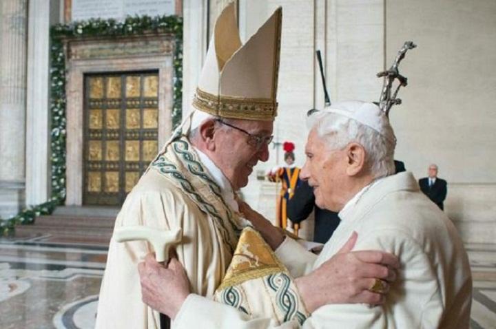 Hai Đức Giáo hoàng lễ mở Cửa Thánh