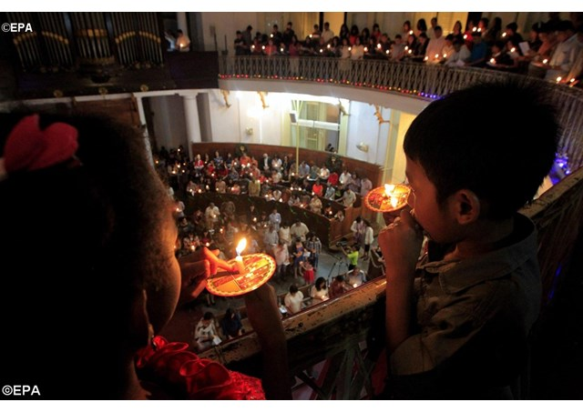 Lễ Giáng sinh năm 2014 ở Nhà thờ Emmanuel ở Djakarta