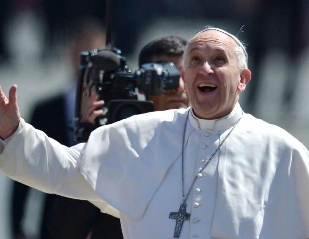 Cách giáo hoàng Phanxicô thu phục cả lòng và trí