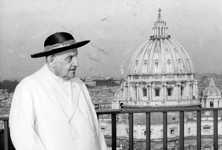 Giáo hoàng Gioan XXIII rảo bộ