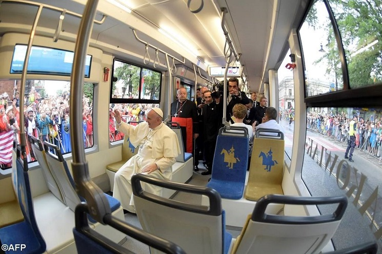 Đức Phanxicô trên xe lửa Ba Lan 2