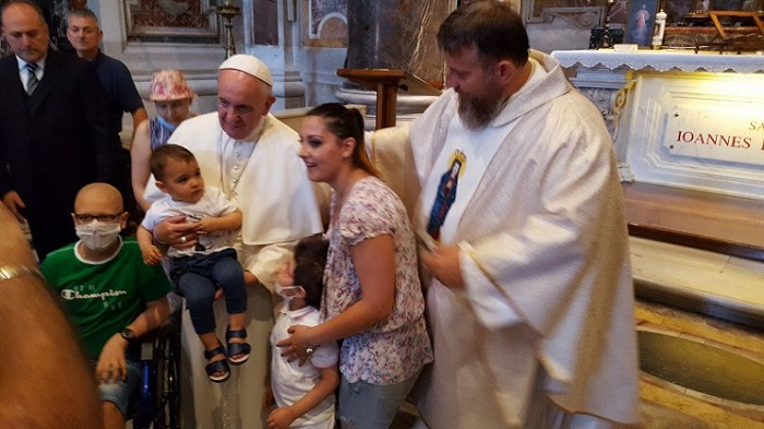Francis this morning prayed at the tomb of St. John Paul II with a group of children with cancer. Pic fr Cielecki